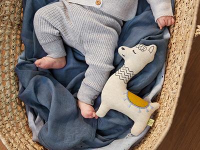 LAESSIG-Checkliste-Erstausstattung-Baby-Tipp-Eltern-Babybett