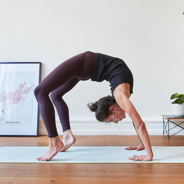 LAESSIG-Yoga-Love-Tipps-Radschlagen-im-Yogi-Style