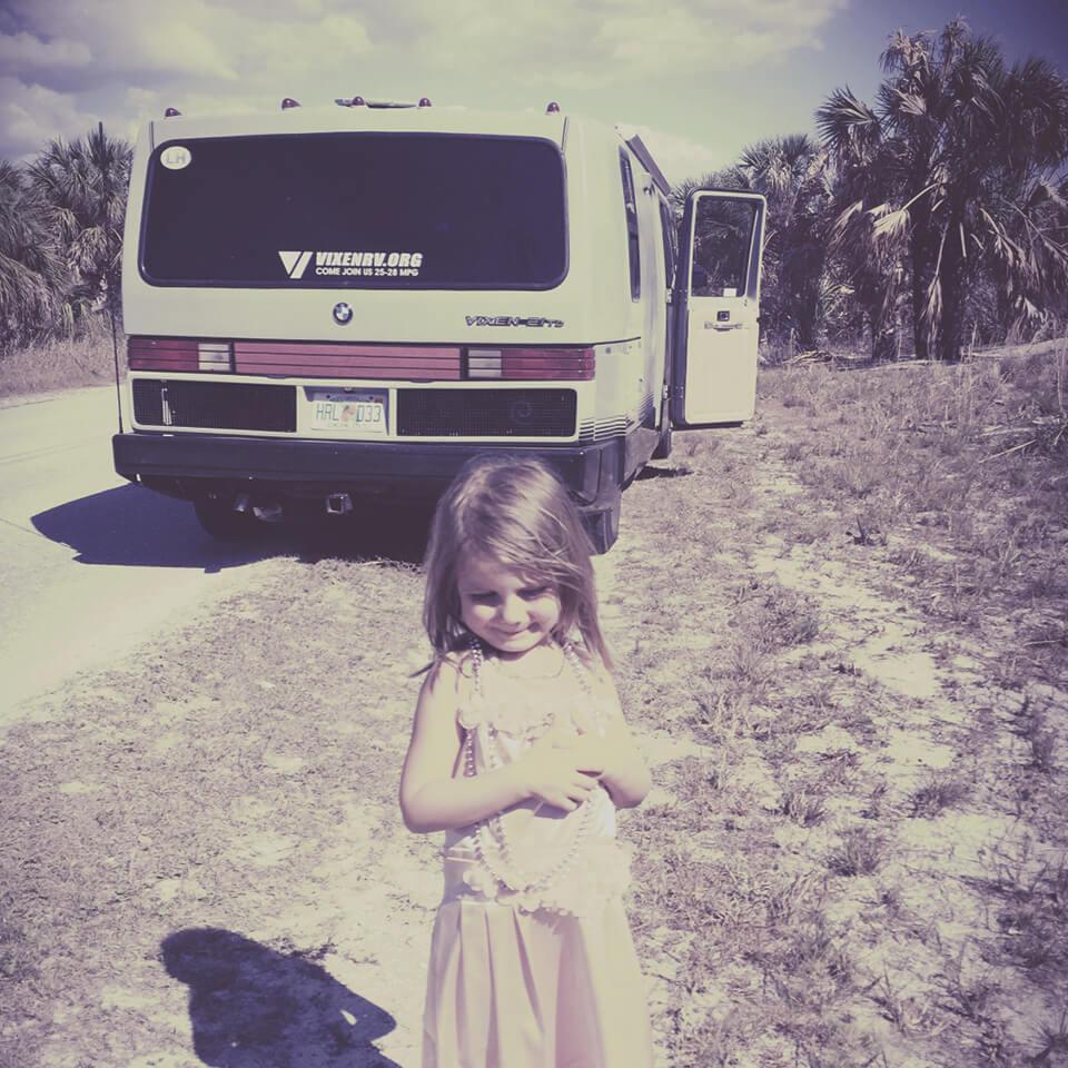 LAESSIG-Checkliste-Tipps-Reisen-mit-Baby-und-Kind