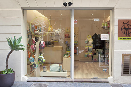 LAESSIG-Mallorca-Store-Eingang