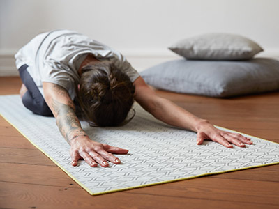 LAESSIG-Asana-Taube-Yoga-Love-Yogamatte