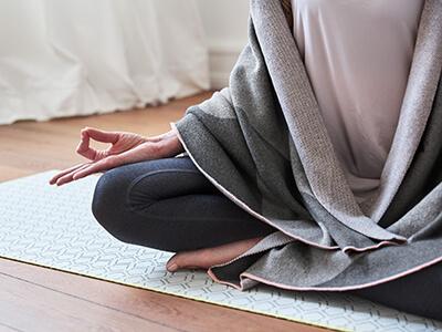 LAESSIG-YOGA-love-Asanas-Lotus-Tipps-zur-Entspannung
