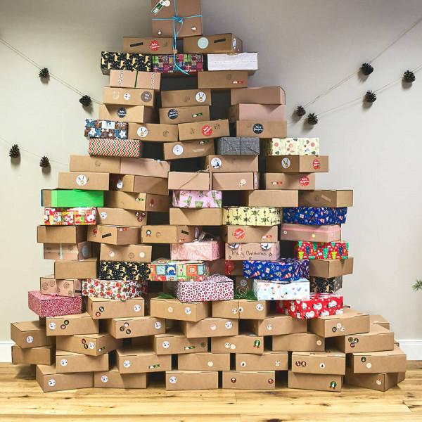 LAESSIG-We-Care-Verantwortung-Weihnachten-im-Schuhkarton-Mitarbeiter-Spendenaktion5c8bb68528b91