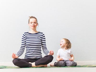 LAESSIG-Yoga-Love-Yoga-mit-Kindern5c26017a5f5a9