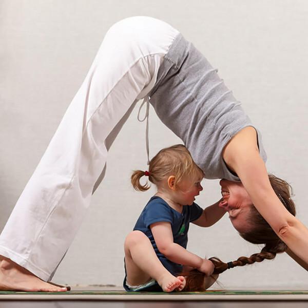 LAESSIG-Yoga-mit-Kindern-Tipps-Uebungen-Ausruhen-zur-Ruhe-kommen