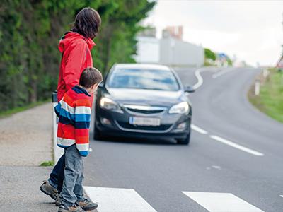 LAESSIG-Sicher-und-sichtbar-auf-dem-Schulweg-Elternerziehung