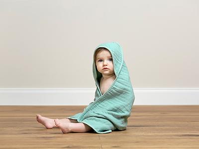 LAESSIG-Baby-Erstausstattung-Badehandtuch-Tipps-Eltern